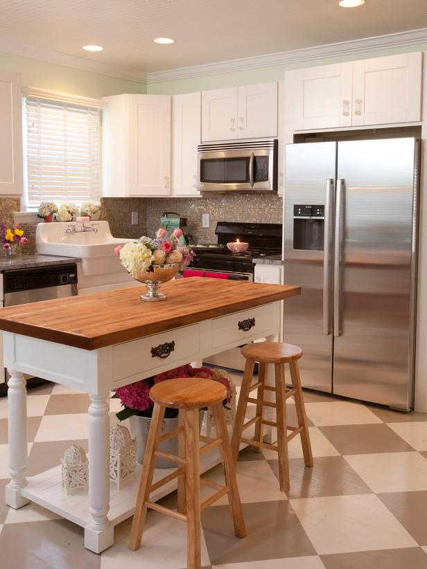 country-white-kitchen-island_3x4.jpg.rend.hgtvcom.616.822